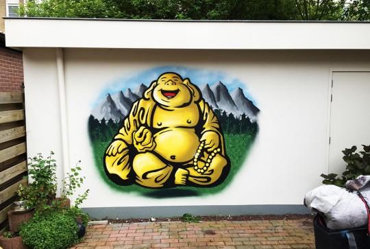 Boeddha in tuin